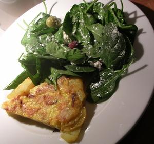 Tortilla_and_salad